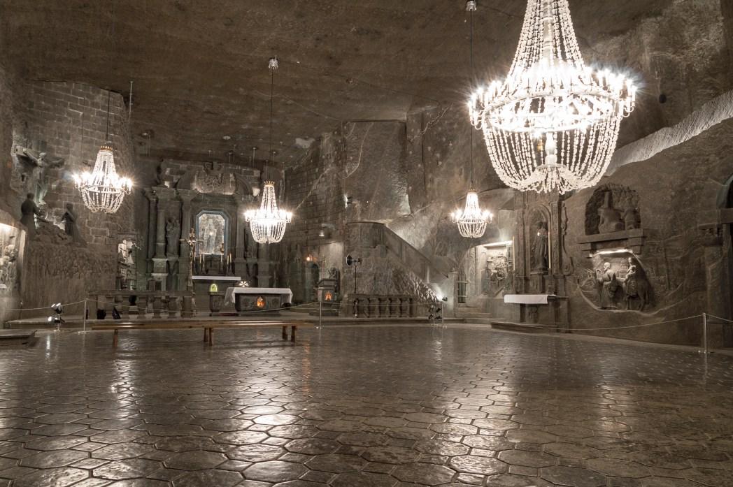 Πολυέλαιοι από αλάτι στο Αλατωρυχείο Βιελίτσκα