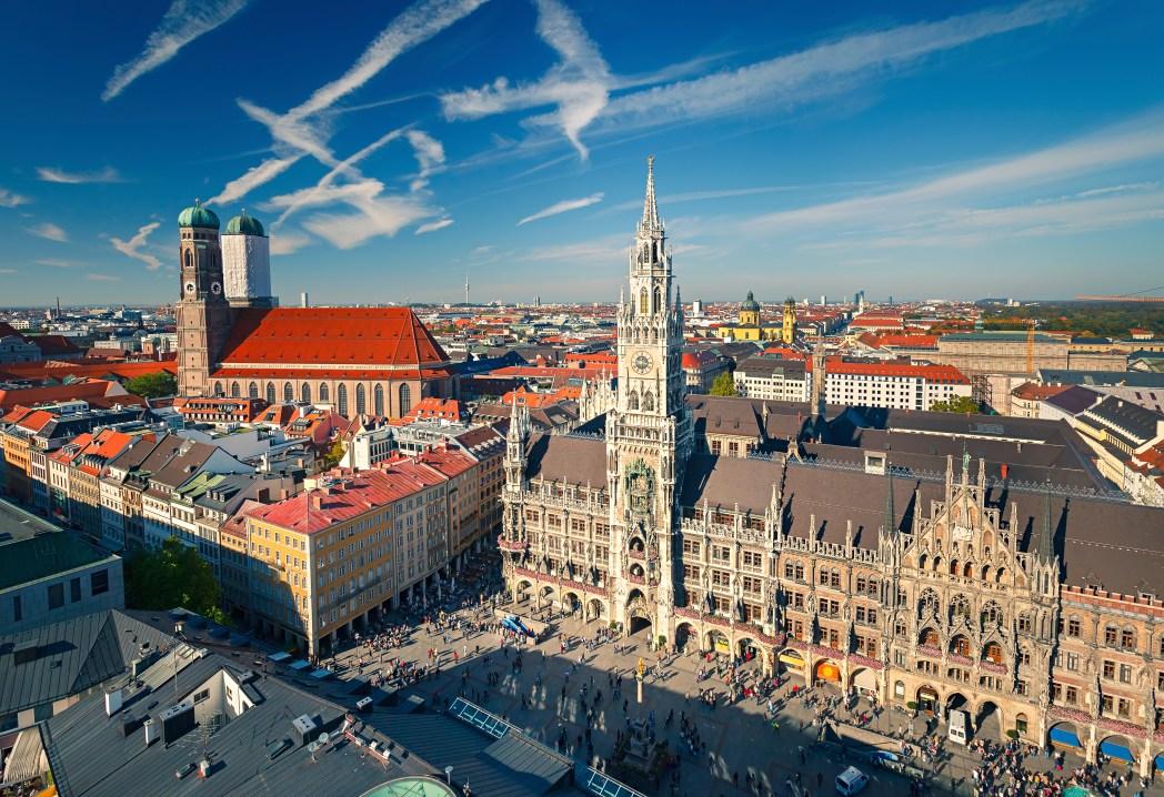 Πανοραμική άποψη της πλατείας Marienplatz