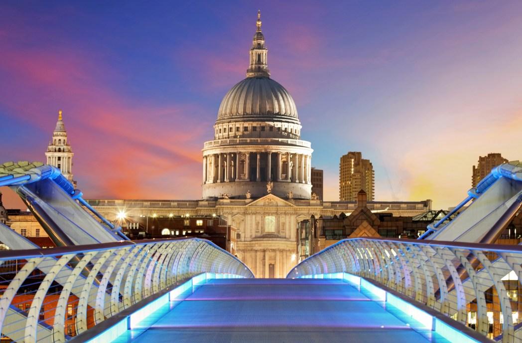 Ο Καθεδρικό Ναός του Αγίου Παύλου από την London Millennium Bridge
